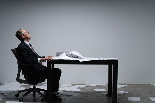 debout-rester-assis-au-bureau-serait-mauvais-pour-la-sante-large-apimobile