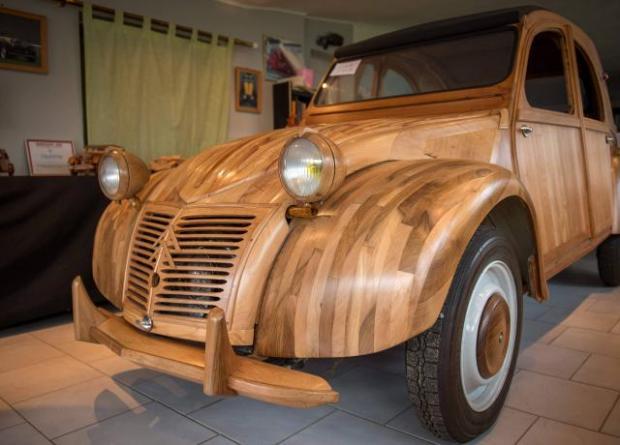 Auto en bois