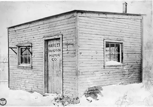 usine-moto-harleyr-1903